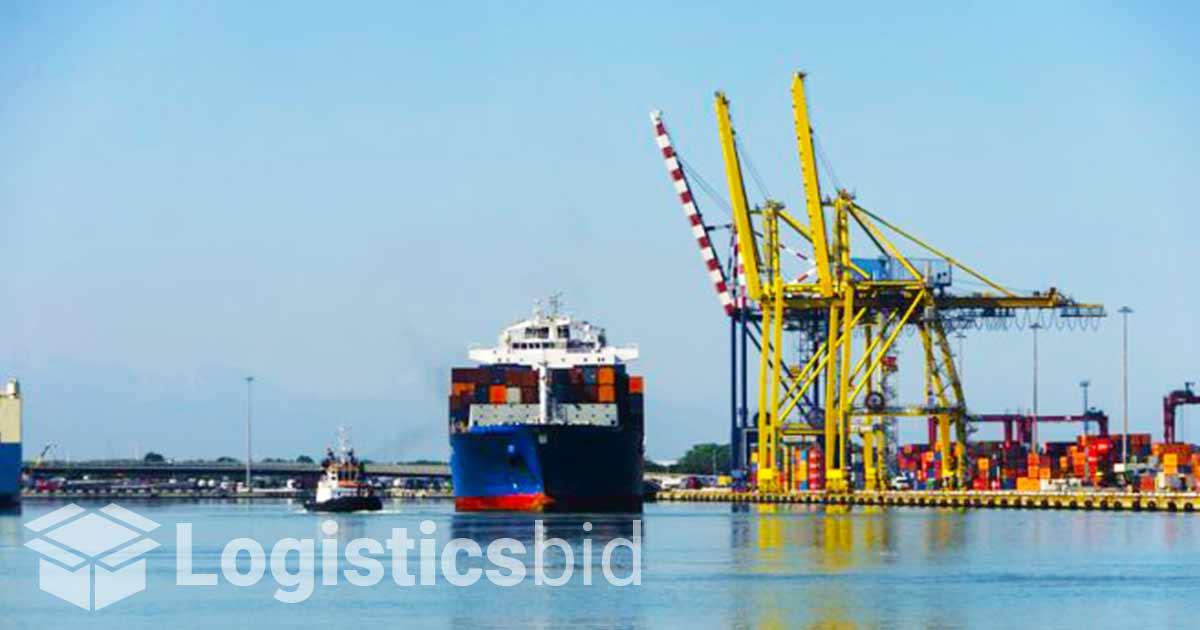 Lebih Banyak Perusahaan Amankan Ruang dengan Sewa Kapal Kontainer
